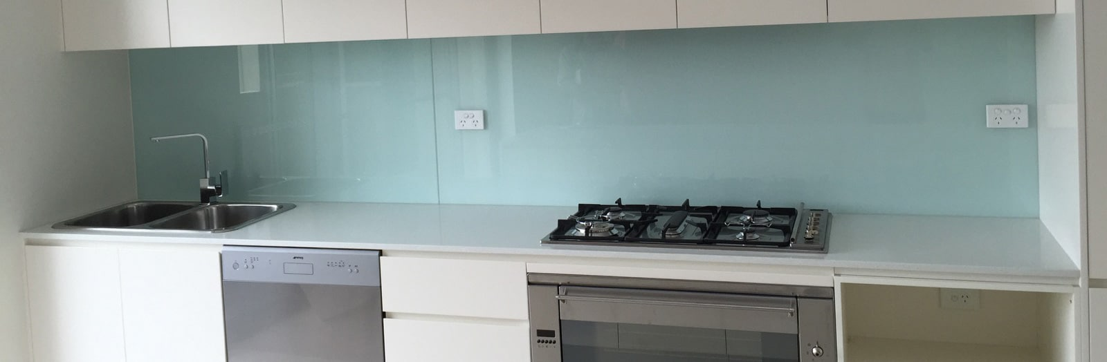 Color Glass Splashback